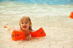 child schwimmbad photo