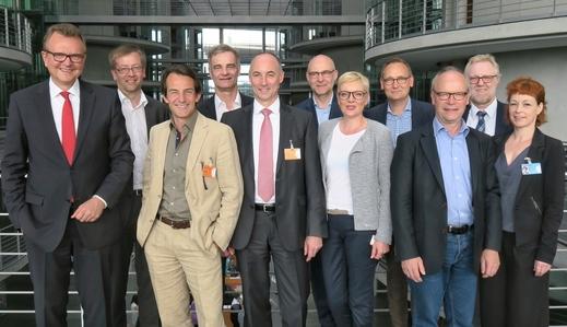 ZDF UND ARD STELLEN SICH HINTER UNSERE PENSIONSKASSE RUNDFUNK
